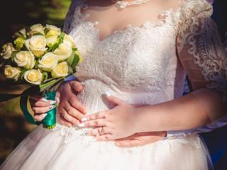 Сдам в прокат свадебное платье большого размера