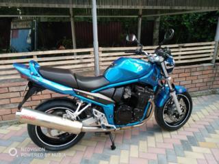 Suzuki GSF 650 Bandit.