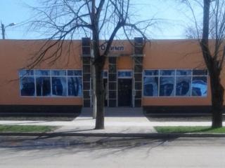 Продается здание магазина в центре Каменки