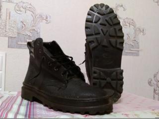 Продаю новые рабочие ботинки