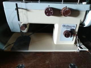 Продается швейная машинка.