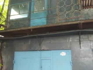 Срочно продам двухуровневый гараж в Бендерах.