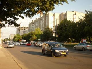Apartament in sectorul Buiucani pe str Sucevita colt cu Alba Iulia.