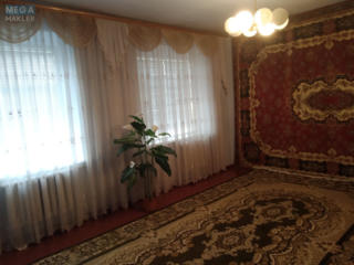 Продам два отдельных дома с мебелью + гараж с ямой, погреб, колодец