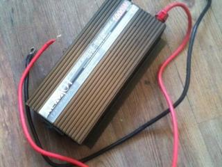 Инвертор (преобразователь) авто 1000 Вт.