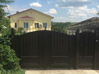 Продаются два дома на участке на Кировском!!!