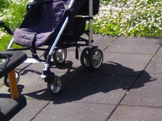 Продается коляска CHICCO б. у прогулочная (без ручки) и CHICCO 2 в 1