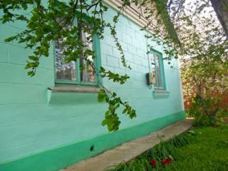 Добротный дом в лучшем районе Днестровска. Торг