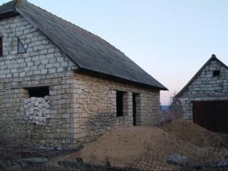 Срочно продается недостроенный дом.