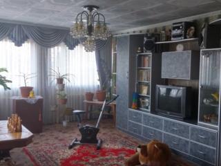 Продам 2-этажный дом в начале с. Карагаш.