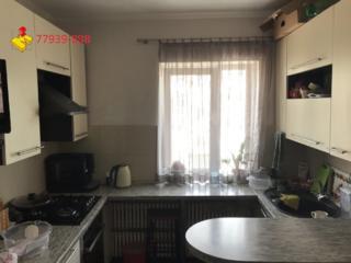 Уютная однокомнатная квартира с просторной кухней.