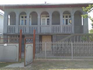 Продам двухэтажный дом в Единцах
