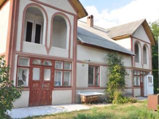 Дом на 2 семьи Бэчой (Страйстены) 25 соток