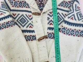 Рубашки и другая одежда на мальчика Бенетон и Вайкики