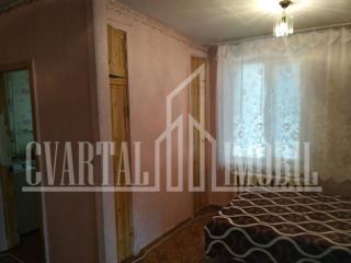 Se vinde apartament cu 1 odaie in sectorul Botanica. Termopane!