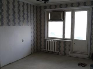 Продам большую 2-к квартиру с отличной планировкой под ремонт. ТОРГ.