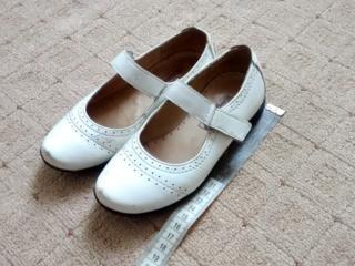 Обувь для девочки разная, б/у