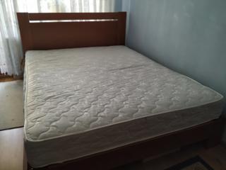 Продам двухспальную кровать с матрасом Сладкий Сон