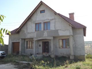 Casa capitala in preajma transportului in Gratiesti, drum asfaltat...