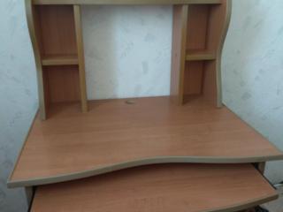 Продам компьютерный стол 500р
