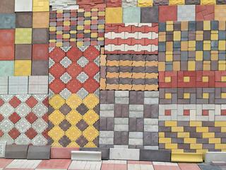 Тротуарная плитка: литая, прессованная, из гранитной крошки, декор.