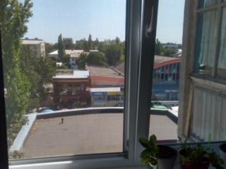 Продам 1 комнатную центре города возле рынка