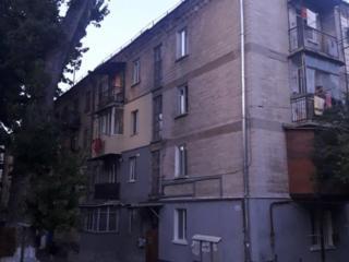 Асаки угол Докучаева, 3-ком., напротив AndisPizza, котельцовый дом!