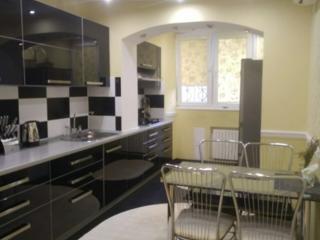 Продается хорошая трехкомнатная квартира на балке!!!