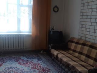 Продам полдома(Белоусова 19) 3 ком, коммуникации, сарай подвал 17700 е