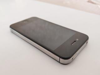 Продам iPhone 4 Black (8Gb)