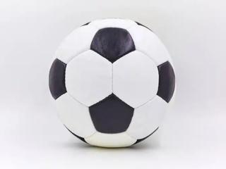Мяч футбольный кожаный, очень хорошего качества, сшит в ручную!