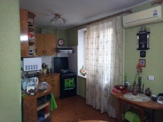 Двухкомнатная 61 м. 2., ул. Гвардейская 30 (рынок), 2 эт. /5, 18000$