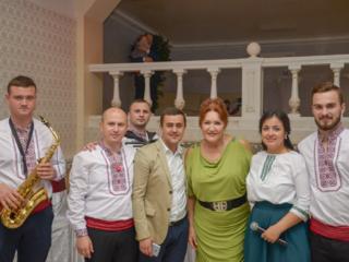 Formatia - Doina Moldovei, muzica pentru petreceri, nunti si cumatrii.