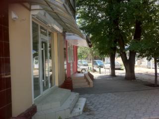 Două încăperi centru, oficiu, comercială, prestare servicii