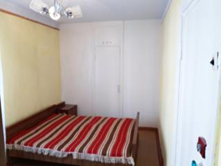 Apartament cu 2 camere, etajul 3 din 5,autonomă, str. Hristo Botev