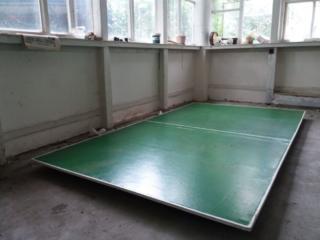 Теннисный стол, б/у, но в очень хорошем состоянии.