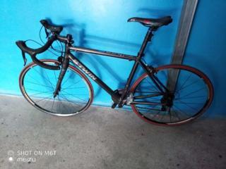 Срочно продам шоссейный велосипед B'TWIN!