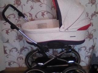 Продам срочно коляску 1800 рублей торг+пеленатор