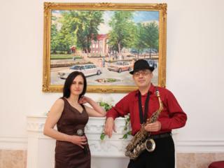 Музыканты(певица, саксофонист-певец). Тамада(ведущий рус/молд)