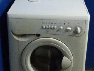Продаю стиральную машину Indesit б/у