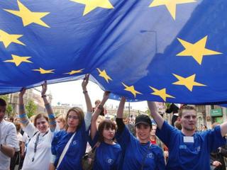 Официальное трудоустройство в Европе с биометрическими паспортами и паспортами ЕС