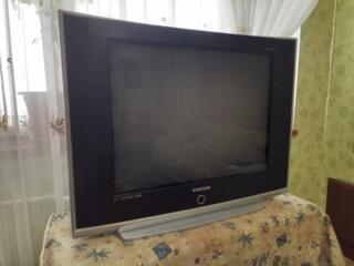 Продаётся ТВ SAMSUNG