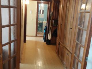 Продам 2 комнатную квартиру на Бородинке срочно