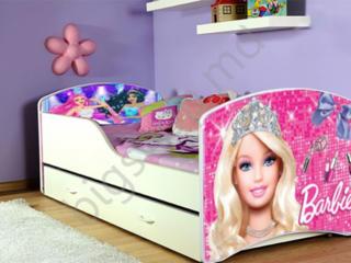 Pat pentru fetiță Barbie!