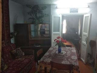 Продам дом Мечникова, большой квадратный участок, подвал сауна 15000$$
