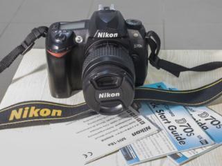 Nikon D70s c объективом