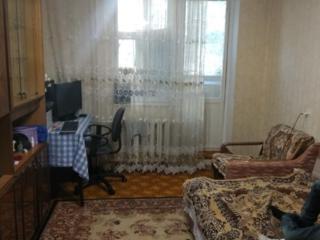 Продам 2-комнатную квартиру в центре, в районе ТД Дик.