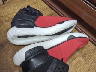 Y-3 QASA HIGH BLVCK AND RED