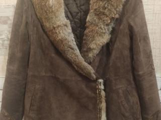 Натуральная, теплая, красивая замшевая куртка на синтепоне. Размер L