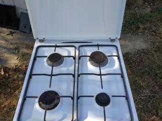 Продам газовую четырехконфорочную плиту VENUS